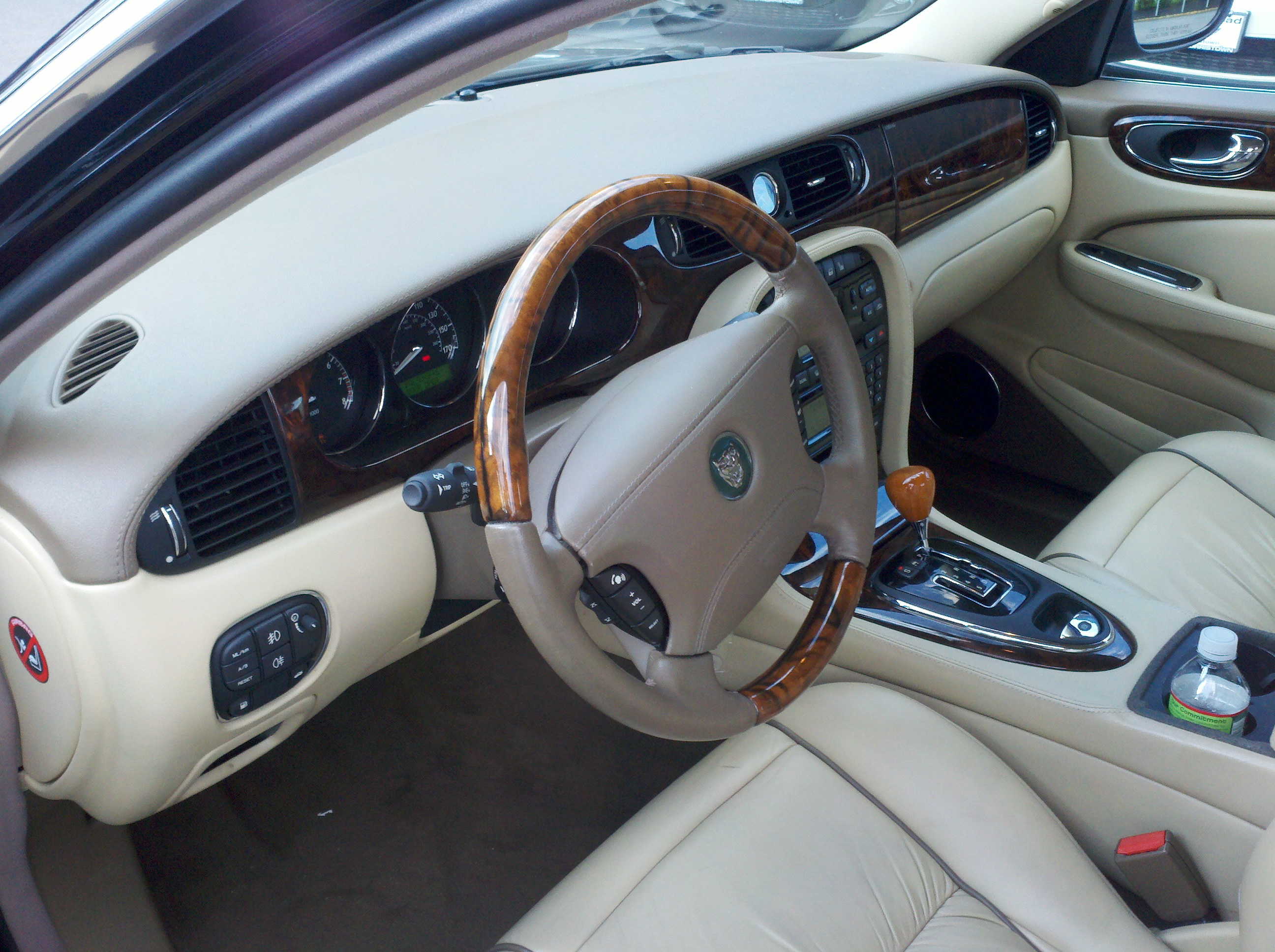 test driven 2005 jaguar xj vanden plas mind over motor rh mindovermotor com 2005 Jaguar XJ8L Problems jaguar xj8 2005 manual