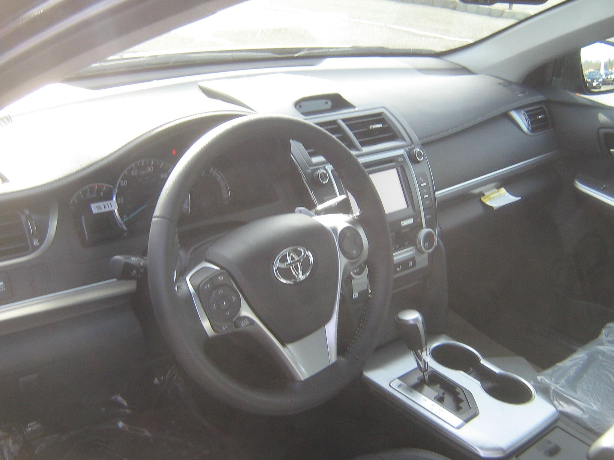 toyota camry reviews sedan motor cars interior dashboard trend and rating hybrid