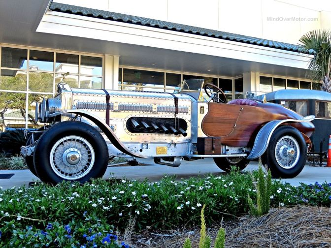 The Thunderbolt, a Custom Rolls Royce with a WWII Tank Engine