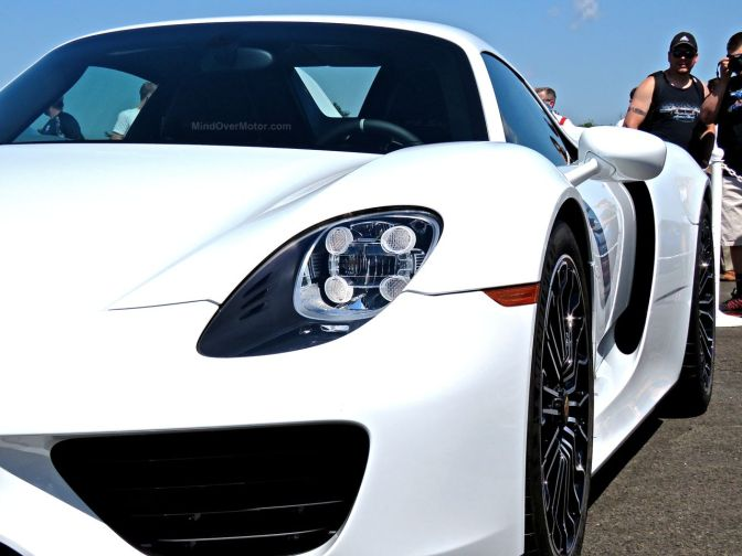White Porsche 918 Spyder at the CF Charities Supercar Show