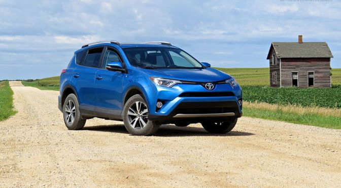 Toyota RAV4 XLE 2WD Review: More Ground Clearance With Less Compromise