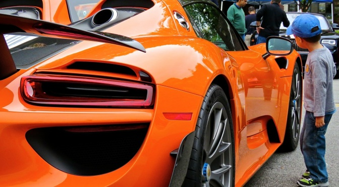 Porsche 918 Spyder Weissach in Outrageous Orange!