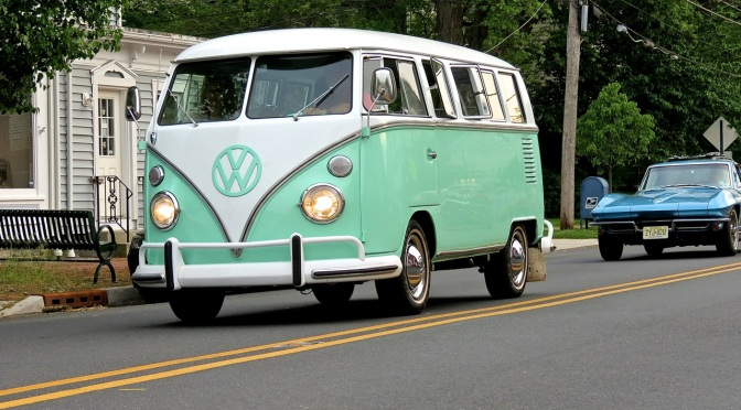 A Mint VW Type 2 Bus at Hopewell Cruise Night