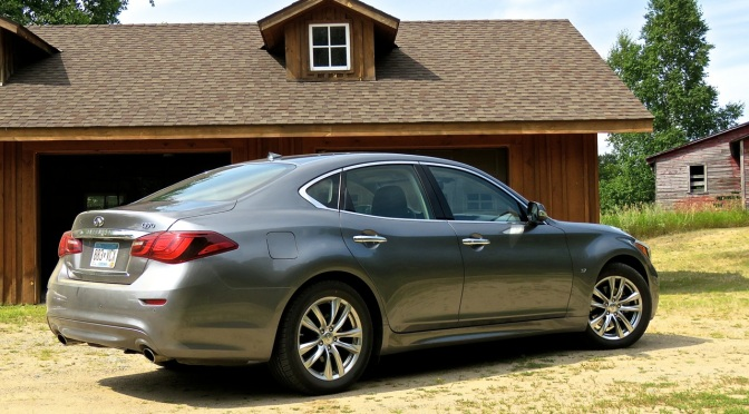 Infiniti Q70: Luxurious and Sporty with a touch of Amnesia