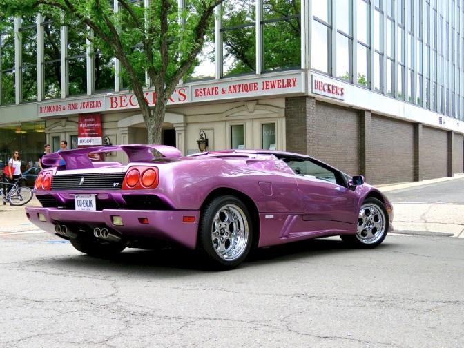 Lamborghini Diablo VT Roadster: The Devil Wears Purple