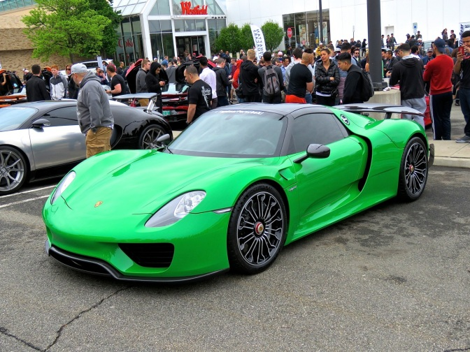 Green Porsche 918 at Cars and Caffe