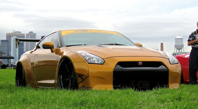 A very clean slammed Nissan GTR in Liberty State Park